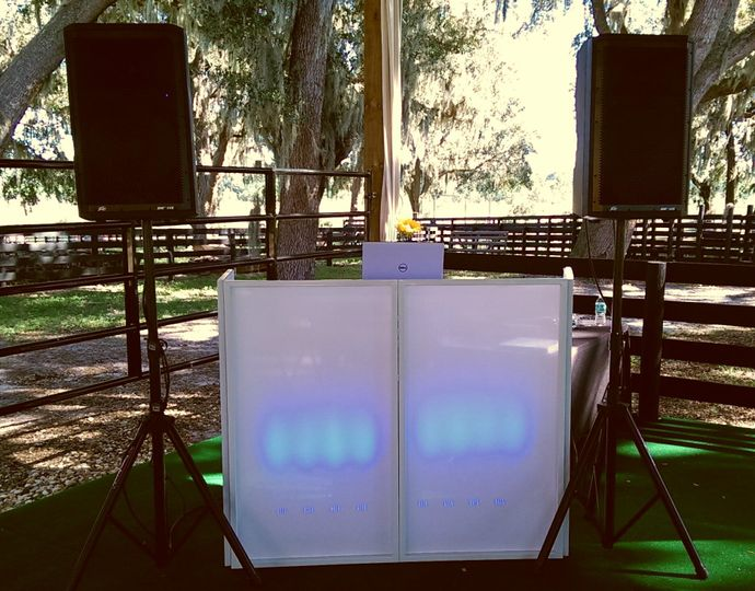 This is my set-up at an outdoor wedding venue