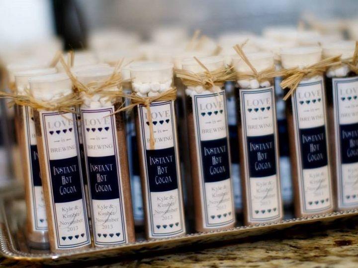 Tmx 1418151420803 Hot Chocolate Favors Snohomish, Washington wedding cake