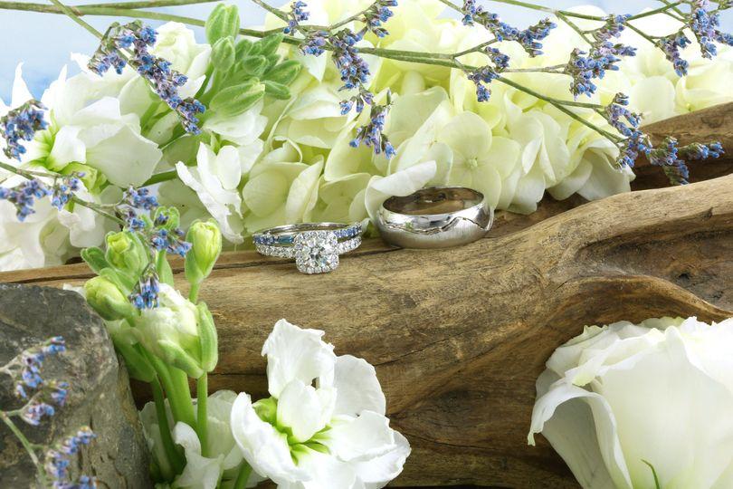 fac951b4da6b18fc 1491927572575 option 1 flowers