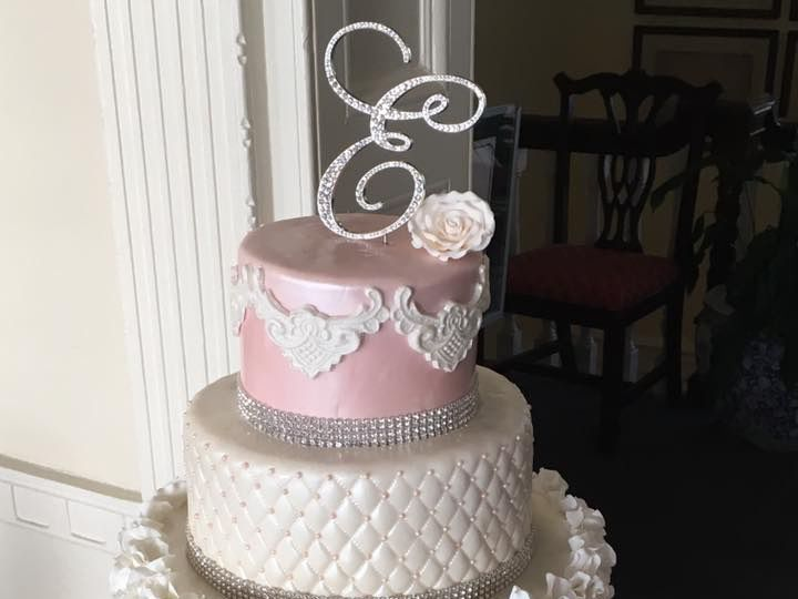 Tmx 14390662 2116863361872460 549719697360104328 N 51 914968 1555428819 Queens Village, NY wedding cake