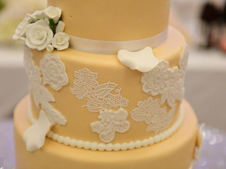 Tmx 37114403 2630844293807695 6741324554053877760 N 51 914968 1555428374 Queens Village, NY wedding cake