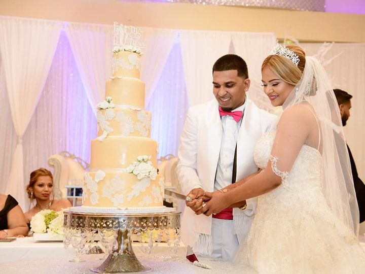 Tmx 41162348 2691843717707752 7565136845210648576 N 51 914968 1555427737 Queens Village, NY wedding cake