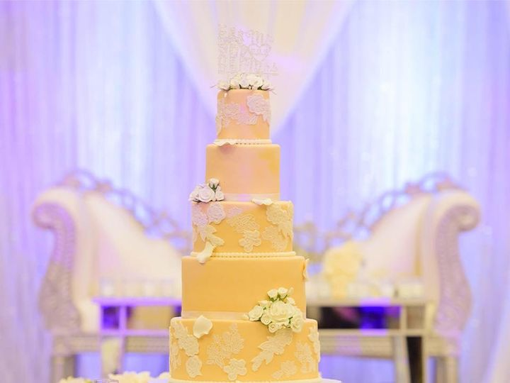 Tmx 41188840 2691844051041052 6535447014707036160 N 51 914968 1555427737 Queens Village, NY wedding cake