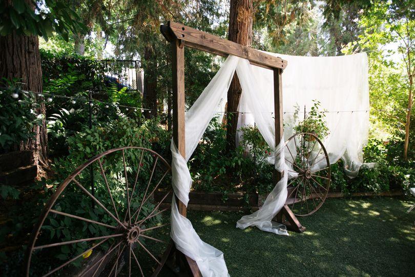 Simple wedding arbor