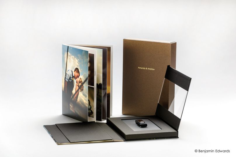 The USB/Keepsake Presentation Book, by AsukaBook, is a unique and contemporary ensemble for...
