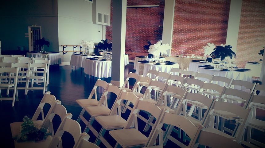 Wedding ceremony and reception set-up