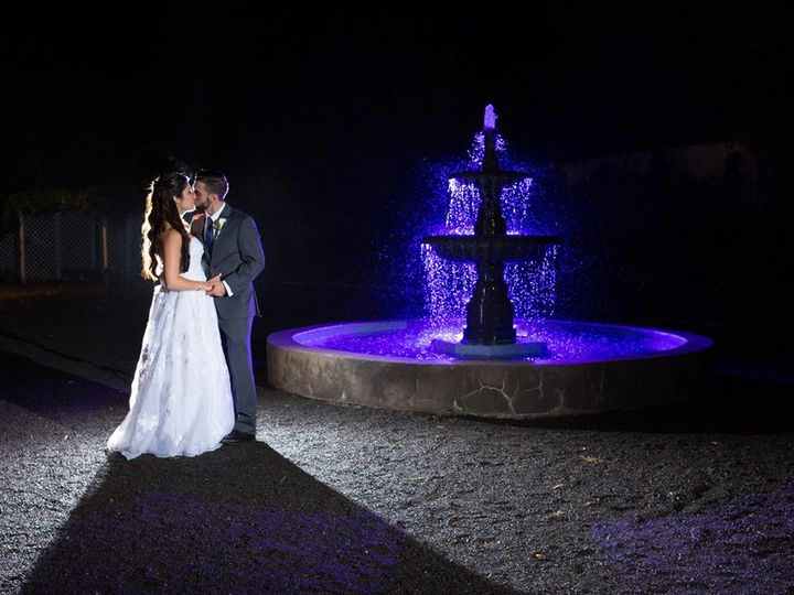 Tmx Fountain 51 3078 V1 Danbury, CT wedding venue