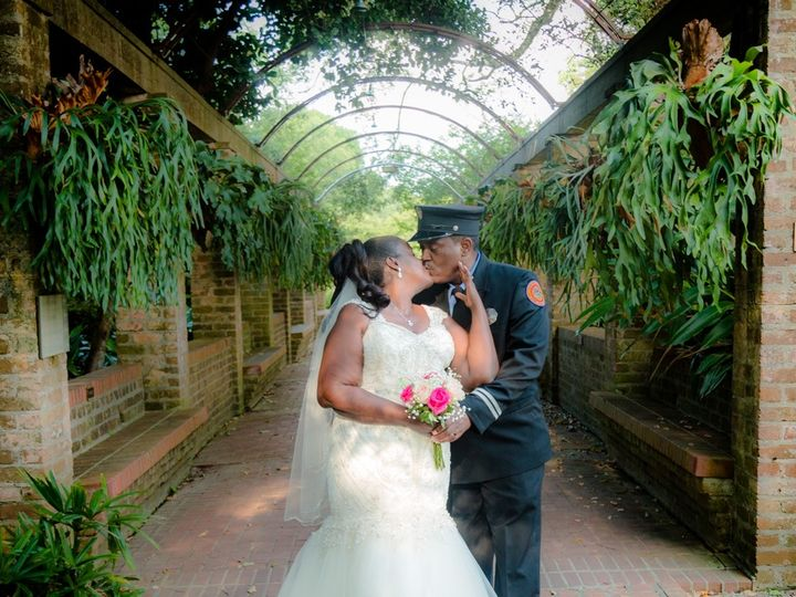 Tmx Nvp 190601 102 9197 C1 51 1013078 1569968379 New Orleans, LA wedding photography
