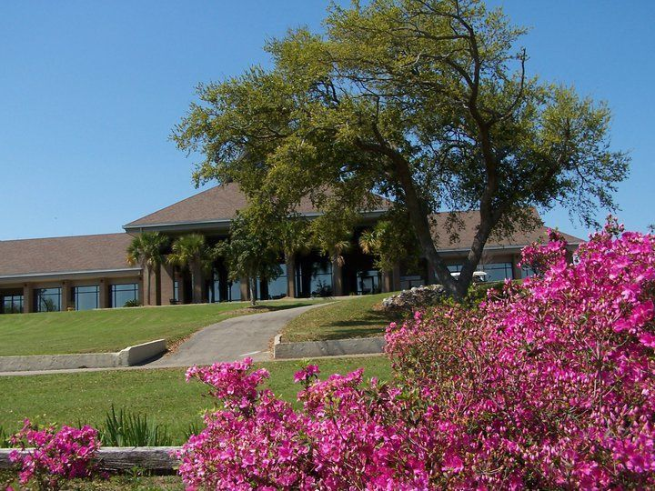 Exterior view of Diamondhead Country Club