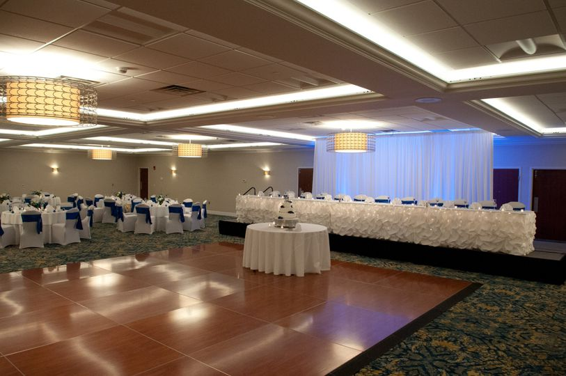 wedding ballroom head table 2