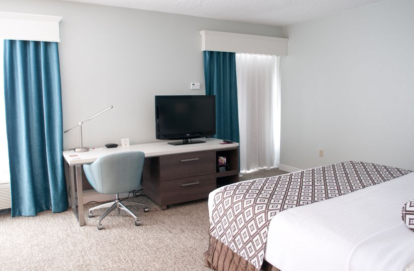 king bed room 2