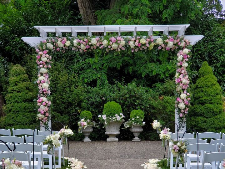 Tmx Mine Laurel Creek Manor Arbor 51 1008078 1568591693 Coeur D Alene, ID wedding florist