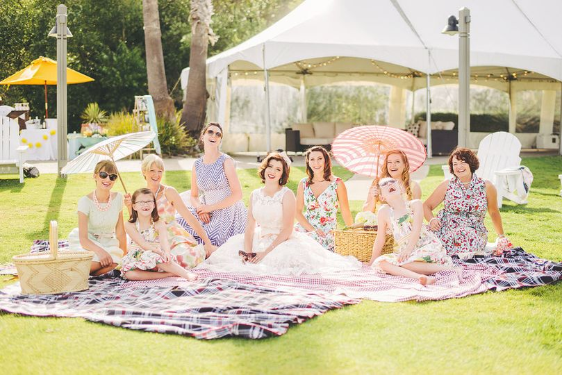 Picnic with the Bride and her bridesmaids!