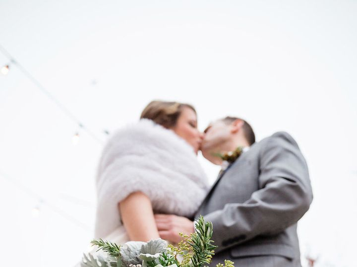 Tmx 1538817125 5ca29eaf5906e278 1538817123 59bf560df2734e74 1538817121644 7 ERICAANDADAM 0415 Lathrup Village, MI wedding florist