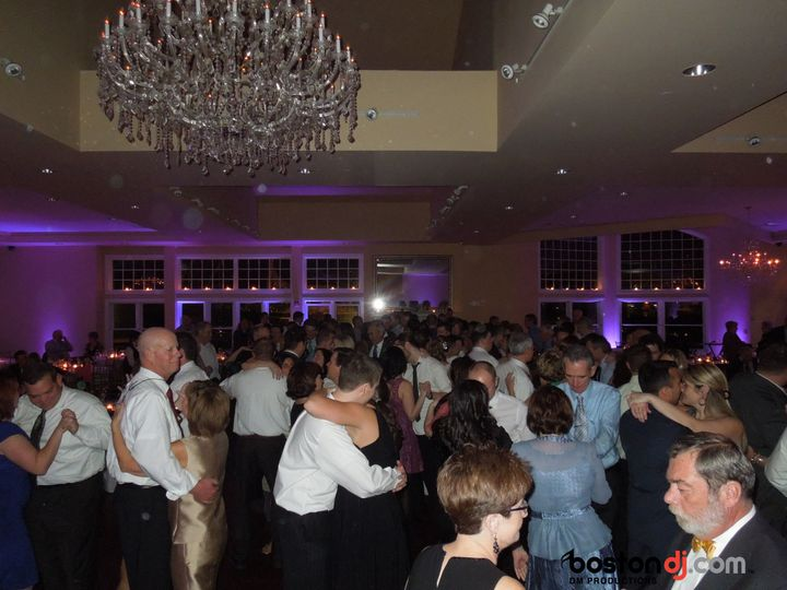 Tmx 1538069295 8585747421350d58 1538069291 6dd9045151f06ae6 1538069289419 2 Cruiseport 1 Burlington, Massachusetts wedding dj