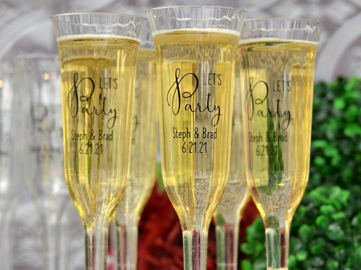 Tmx 5 Oz Personalized Clear Champagne Flutes Lg 51 6178 Willard, Ohio wedding favor