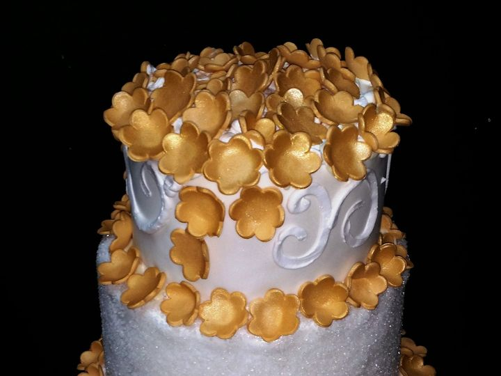Tmx 1408552686242 Gold Flower Cake Plainview, NY wedding cake