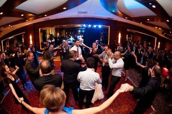 ce10da51b73147ff 1464719010089 wedding reception party