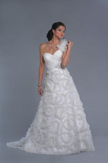 800x800 1300367570293 9103ad  800x800 1300368756684 9102rnwy  800x800  1300367543059 9100ft  Lo Ve La by Liz Fields   Dress   Attire   Englewood   WeddingWire. Liz Fields Wedding Dresses. Home Design Ideas