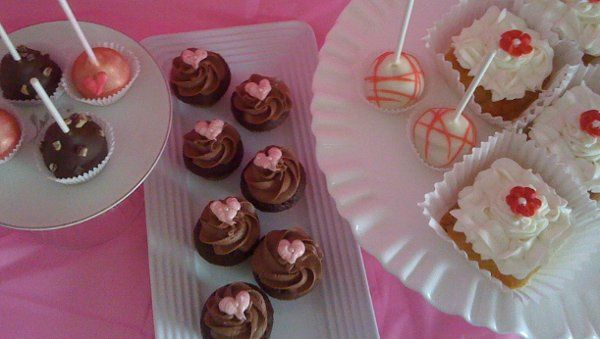 Tmx 1313954462552 Pinkbuffet Wentzville wedding cake