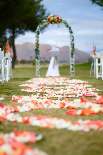 Outdooor wedding setting