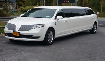 A Hudson Valley Limousine 1