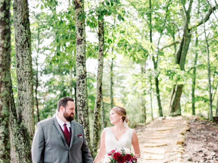 Tmx Bride And Groom On Trail 51 997278 Knoxville, TN wedding florist