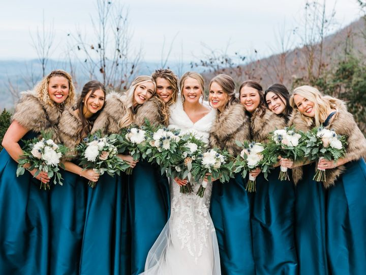Tmx Bride With Maids 51 997278 157765280383157 Knoxville, TN wedding florist