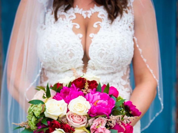 Tmx Sneak Peak 17 Zf 1052 11443 1 007 51 997278 159400422297184 Knoxville, TN wedding florist
