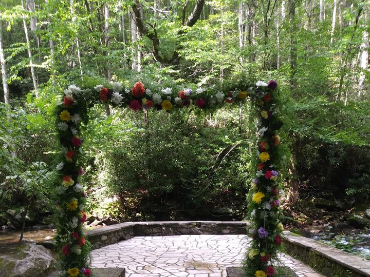 Tmx Spence Cabin Arch After 51 997278 1564711533 Knoxville, TN wedding florist