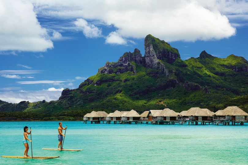 SUP in Bora Bora's magnificent lagoon | Honeymoons by Tahiti.com