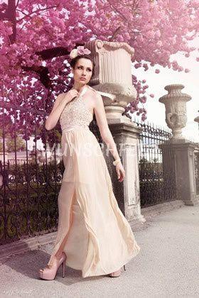 Bridal Shooting in Salzburg in beautiful spring-time  credit: R. Schmidt