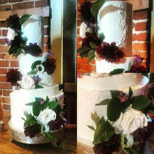 lidias floral cake