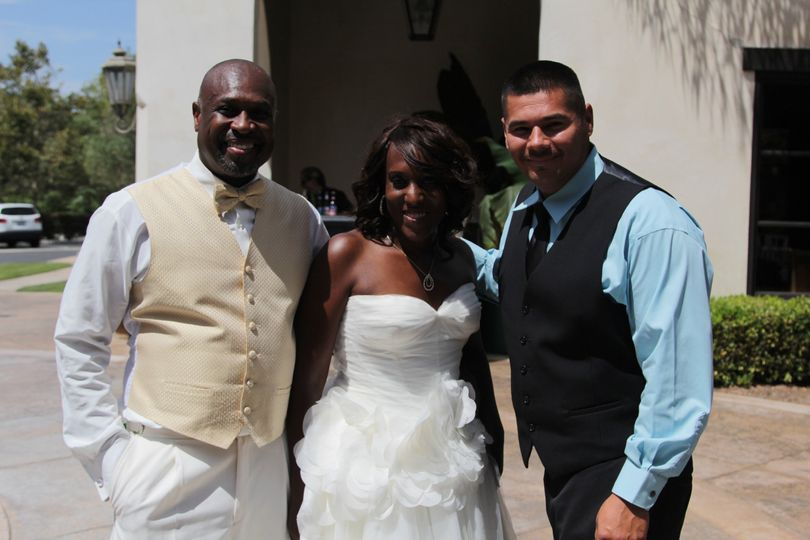Southern Cali DJs with the couple