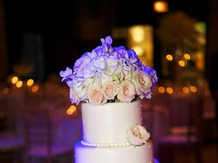 Tmx 1334336135618 11TheUniversityClubWeddingSweetchicEventsGuoJoungandLauriePeacockPhotographyCake Chicago wedding planner