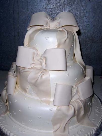 Hansens Cakes Wedding Cake Los Angeles CA WeddingWire - Wedding Cakes Los Angeles