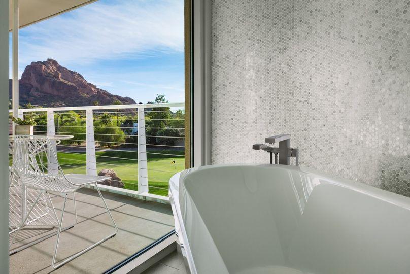mountain shadows immerse premium guestroom batht