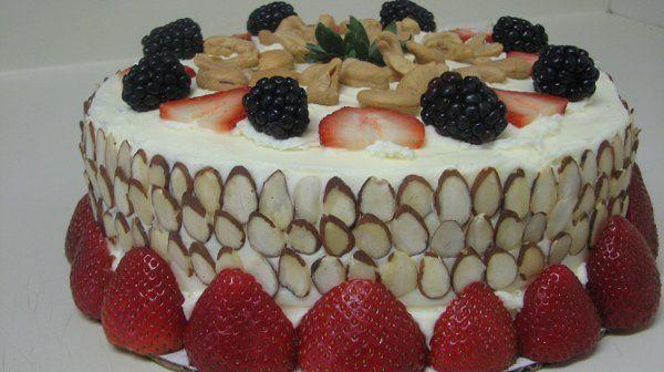 France Berry Nut Cake