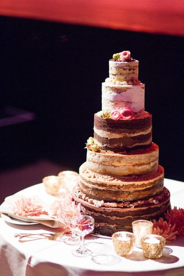 Six Tier Cake  multi flavor credit: roey yohai photo