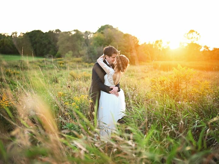 Tmx 80364741 3029075290488043 4218524819525730304 O 3029075283821377 51 656478 157673610170636 Waukesha, WI wedding photography