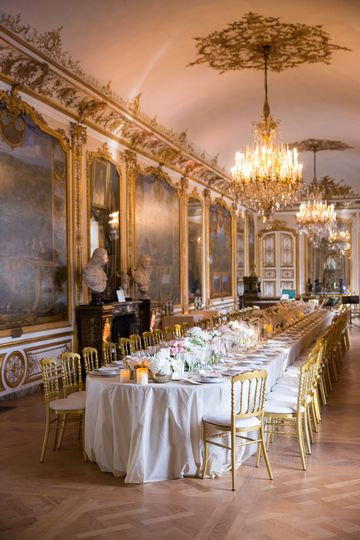 Luxury wedding dinner in France
