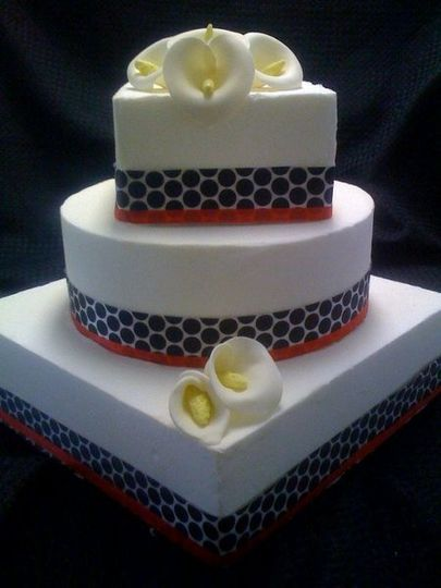 Surprising Edible Creations By Rochell Wedding Cake Chandler Az Funny Birthday Cards Online Hendilapandamsfinfo