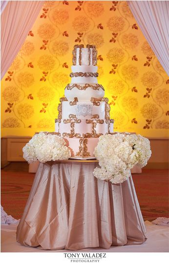 Frosted Art Bakery - Wedding Cake - Dallas, TX - WeddingWire