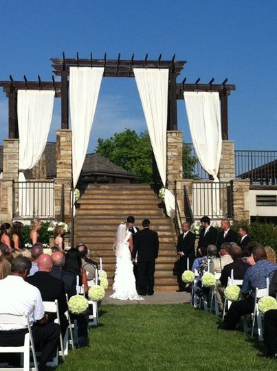 800x800 1337624906658 ceremonydraping6