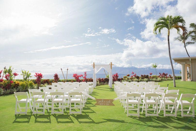 0681275a5e7ba909 Villas Ceremony with Custom sign