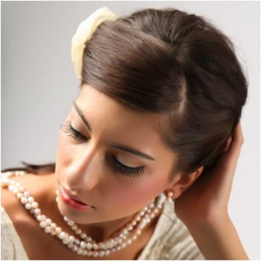 Nelly Azarcoya*Professional Makeup Artist*Beauty Educator