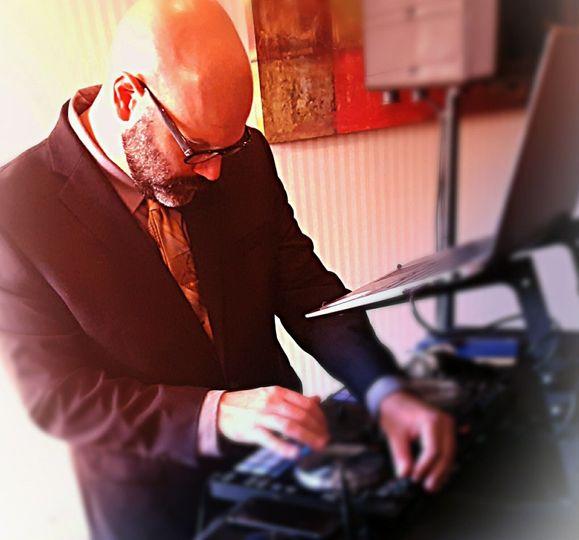 9 Hearts Entertainment DJ