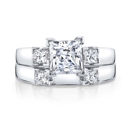 Alluring engagement ring and band