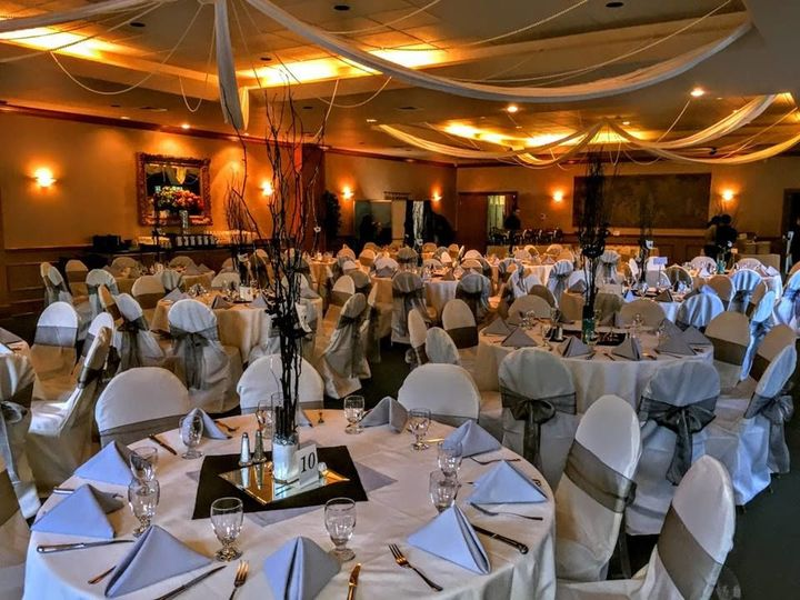 Tmx 1534019887 48ea15f12f515c7b 1534019886 89ec9b6976638ae5 1534019885962 7 Silver   Black Rec Manitou Springs, CO wedding venue