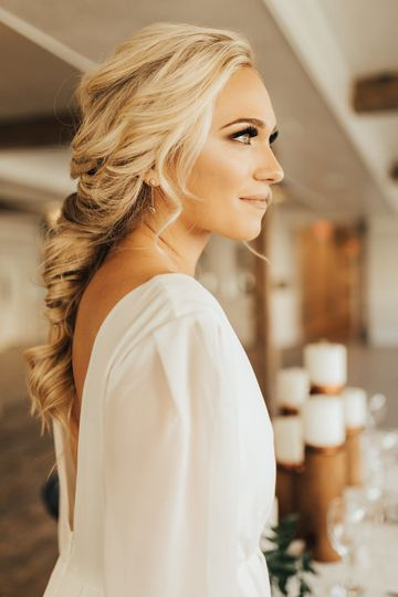 Janelle Ingram Hair & Makeup Artist